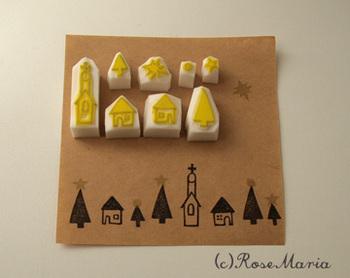 星や木、家などをデザイン違いの物を並べて押すのも素敵。小さな星の消しゴムはんこは、木の上に押してクリスマスツリーのようにしたり、カードの上の部分に押して星空にしたり、いろいろな使い方ができて便利!