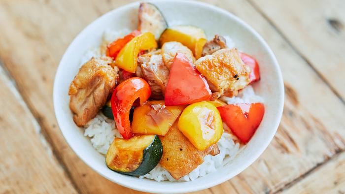 ランチにも◎「夏野菜」を手軽においしくいただける主食レシピ【キナリノレシピ帖】