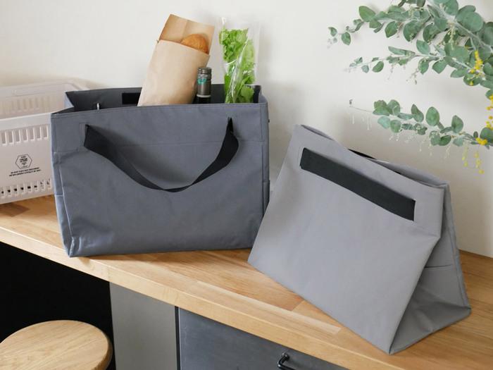 丈夫なポリエステル素材のバッグは、お買い物バッグとして使う他ピクニックバッグとしても使えます。幅広の持ち手で、重たい荷物でも持ちやすい作りになっています。