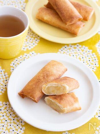 春巻きの皮を使ったスイートポテトパイ風レシピ。フィリングには焼き芋を使うので下処理がいらず、簡単に作れます。角切りりんごを入れて、食感と味わいのアクセントに。