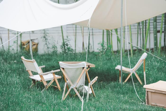 「ローチェア」はキャンプやおうち時間に!タイプ別おすすめをご紹介。