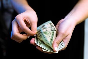 ちょっとだけ考えてみたい!自分が幸せになる「お金の使い方」