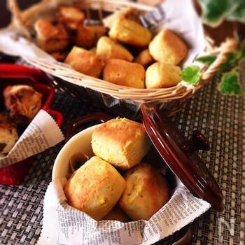 さつま芋を使った、優しい甘さとパンのような食感が楽しめるスコーンです。ボールで混ぜて成型して焼くだけの簡単ステップ。ちょっとお腹が空いたときのおやつにもぴったりです♪