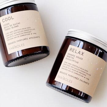 ベジタブルワックスを使用した、フランス・プロヴァンス地方生まれの手作りキャンドル。オレンジ×ミント×ユーカリが調和した、穏やかな気持ちになれる香調です。甘めですっきりとした爽やかな香りは、名前の通りリラックスしたいときにぴったり。