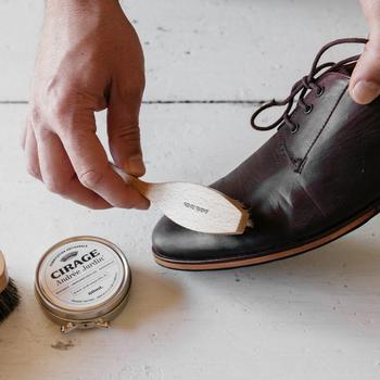上質な一足を。秋に履きたい「革靴」コーデと、お手入れのイロハ