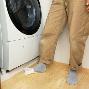 歯磨きをしながら洗濯機の下の髪の毛を集めたり、洗面台周りの水汚れをふき取ったりと、さまざまなシーンで活用できる楽ちんグッズですよ♪