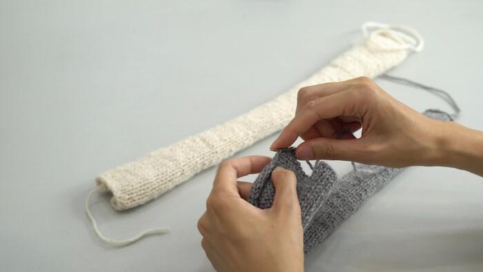 A糸のパーツ、B糸のパーツは先に両端の糸しまつをします。  ① とじ針に糸を通す ② 端の目にからげる ③ 6、7目からげたら針を抜く ④ 糸を切る