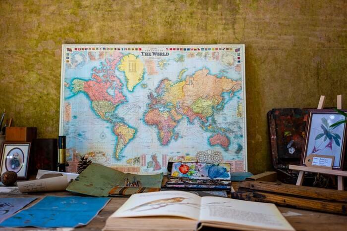ロマンに思いを馳せよう!大人のための「世界史」教養本13選