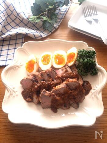 和風の味付けに飽きたら、韓国風はいかがでしょう?コチュジャンを加えたピリ辛味噌味は、濃厚でご飯にもお酒にも合います。余ったタレは、卵や野菜に付けて食べるのがおすすめ!