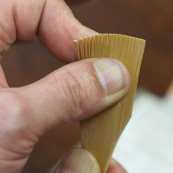 穂先が細かく、おろし器だけでなく、すり鉢の目詰まり解消にも使えます。
