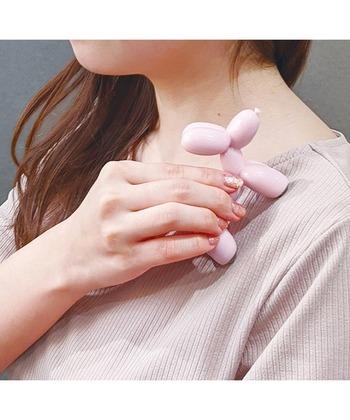 耳や鼻先、しっぽの細い部分はツボ押しとして使用できます。手のひらや首筋も心地よく刺激して、すっきりリフレッシュしてくださいね。