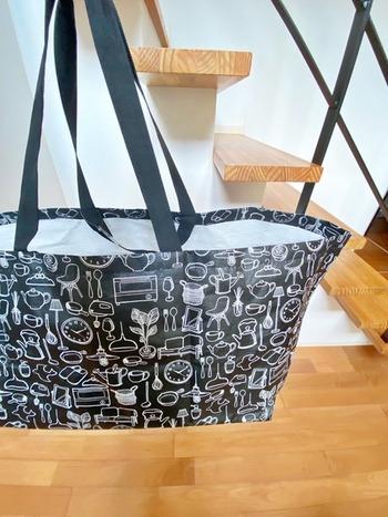 発売早々品薄状態となった特大エコバッグは、199円と価格も優しい♪まとめ買いやアウトドアでの利用もおすすめです。