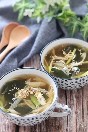 簡単に作れる和風スープレシピ。洋風のアボカドと和風のスープって合うの?と驚かれるかもしれません。トロッとしたアボカドの風味とだしの効いたスープは、意外にもぴったりなおすすめの組み合わせです。