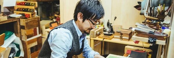 【連載】minne×キナリノ「ハンドメイドのある暮らし」 vol.2 革職人・佐藤義之さん